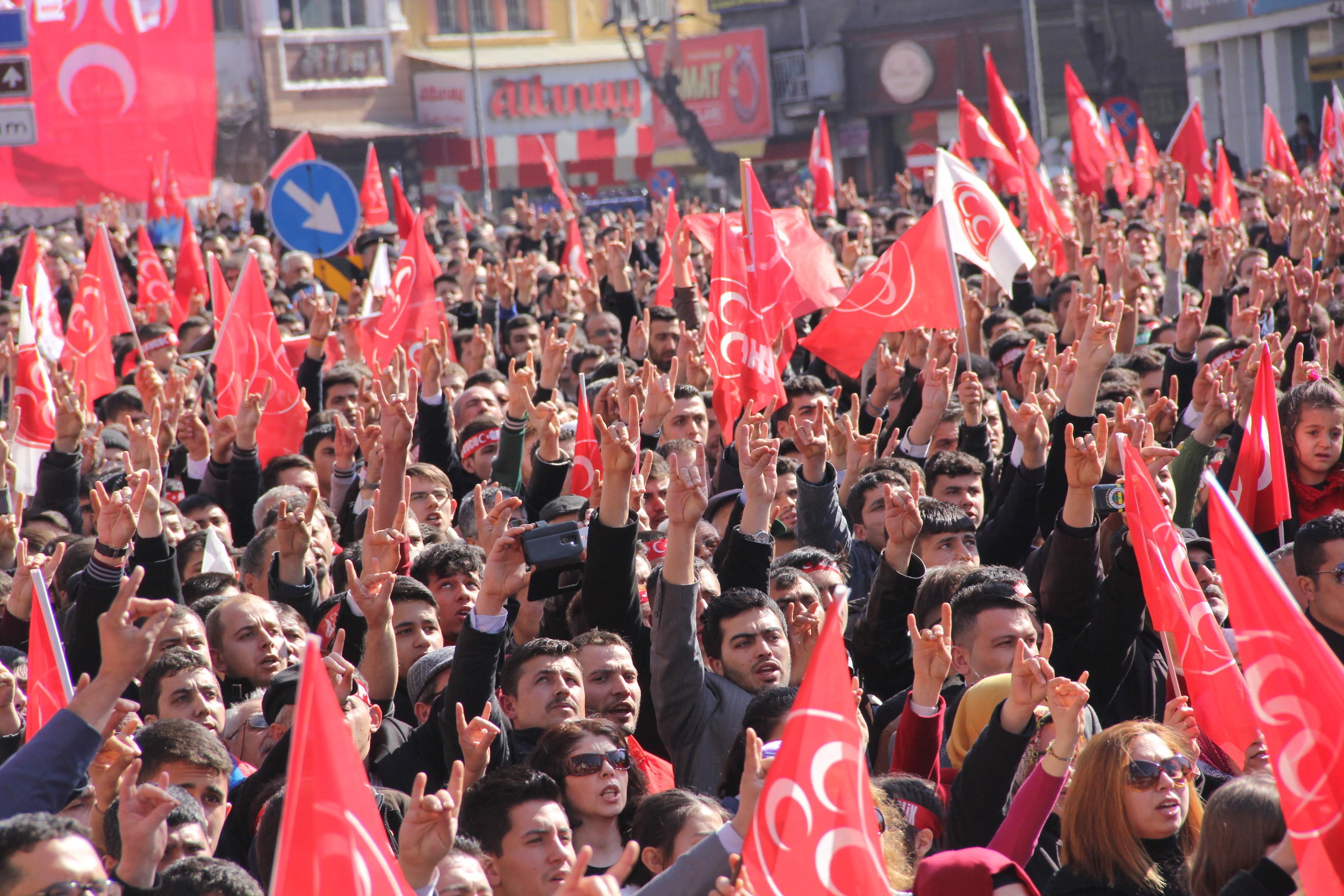 MHP Genel Başkanı Devlet Bahçeli, partisinin Afyonkarahisar Anıtpark önünde düzenlediği mitingde vatandaşlara hitap etti. (Mustafa Güngör - Anadolu Ajansı)
